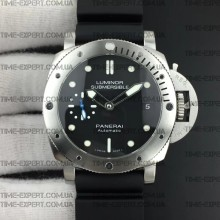 Panerai PAM682 42 мм Luminor Submersible